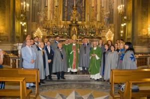 Il Gran Maestro OMSB con Cardinale Sepe con un gruppo di Cavalieri e Dame